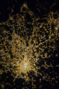 681px-Milan_at_Night.JPG
